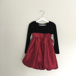 Girls Holiday Dress Black and Red Size Small